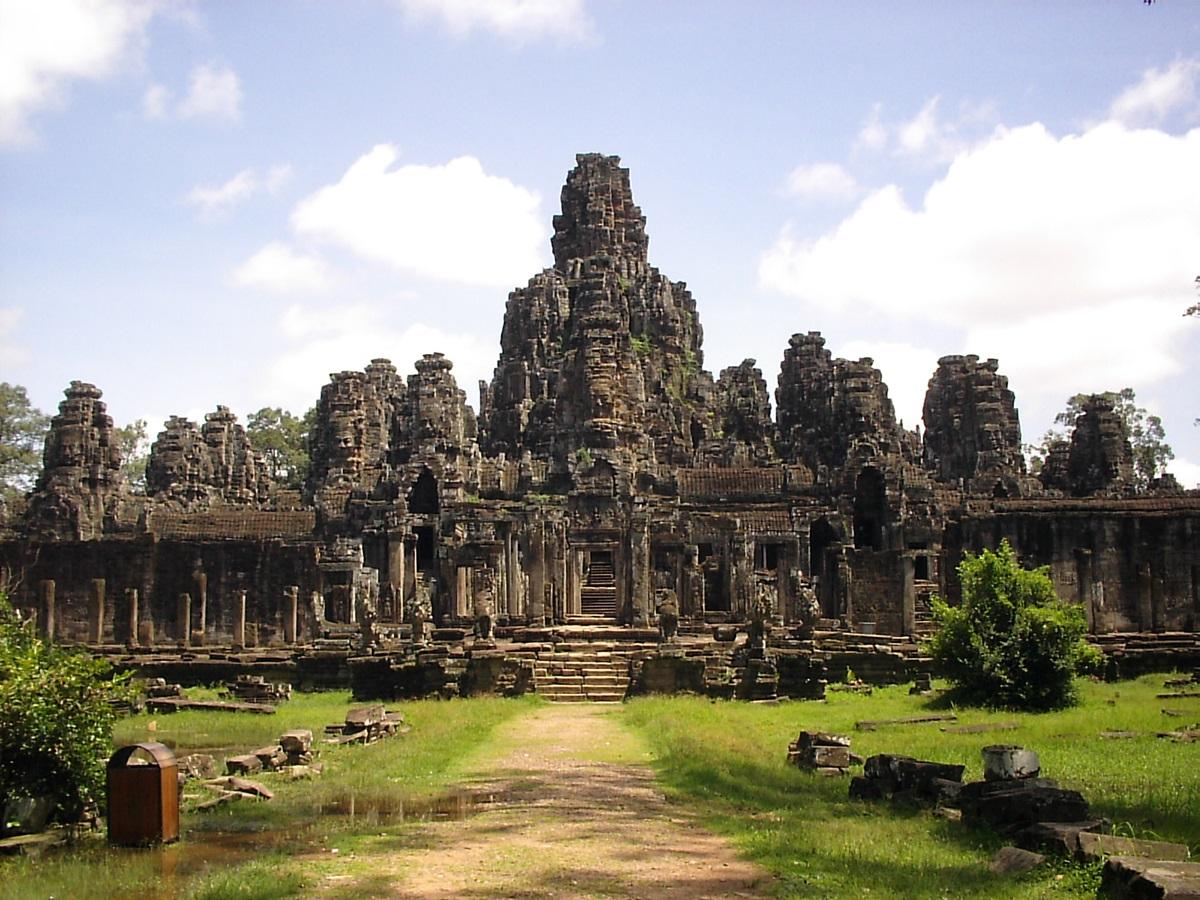 カンボジアでアイフォンパクられた結果wwww